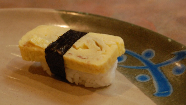 A Lone Tamago Nigiri by su-lin from Flickr
